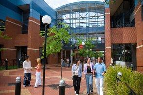 Stipendien für Master-Studium im Bereich IT an der Swinburne University.