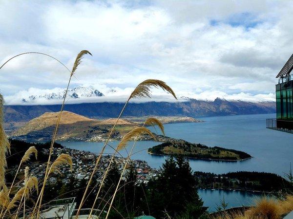 In seinem Auslandssemester in Neuseeland hält Linus unvergessliche Naturspiele fest