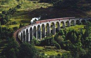 Einmal mit dem echten Hogwarts Express fahren? Das geht in Schottland.