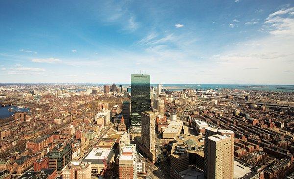Der Hult Boston Campus liegt im Herzen der Studierendenstadt Nr. 1 der USA.