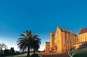 Das International College of Management in Sydney.