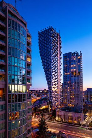 Neuer Campus Standort: Vancouver House